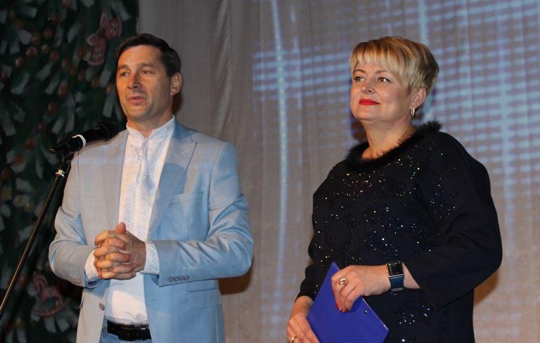 508f0b71f61f9a Депутати обласної ради привітали театралів з професійним святом ...