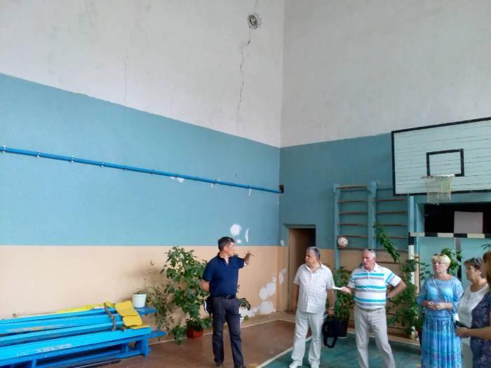 Гимназии в Скадовском районе купили телевизор и компьютер для патриотического воспитания