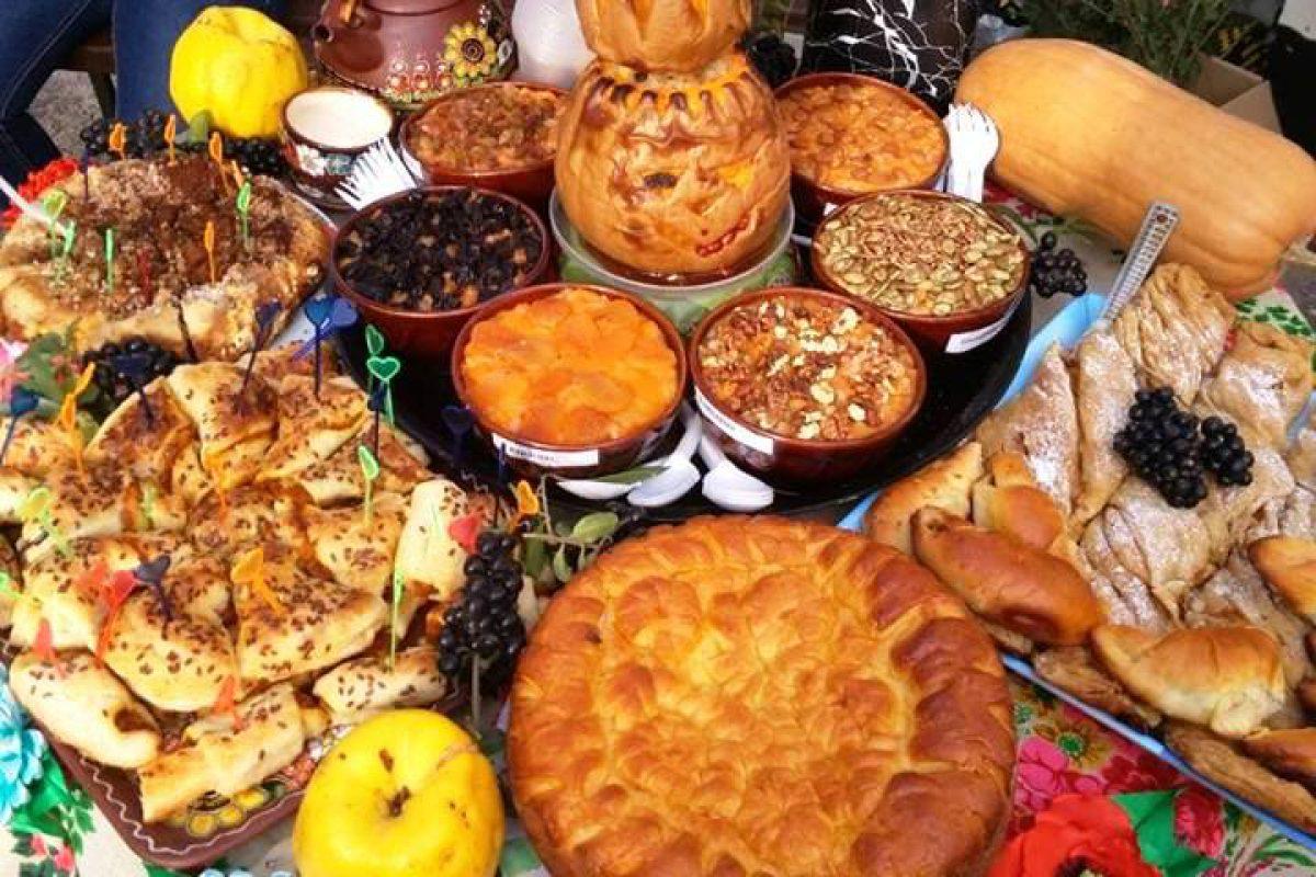 Хелловін по-українськи: мавки, русалки та смачні гарбузові стейки