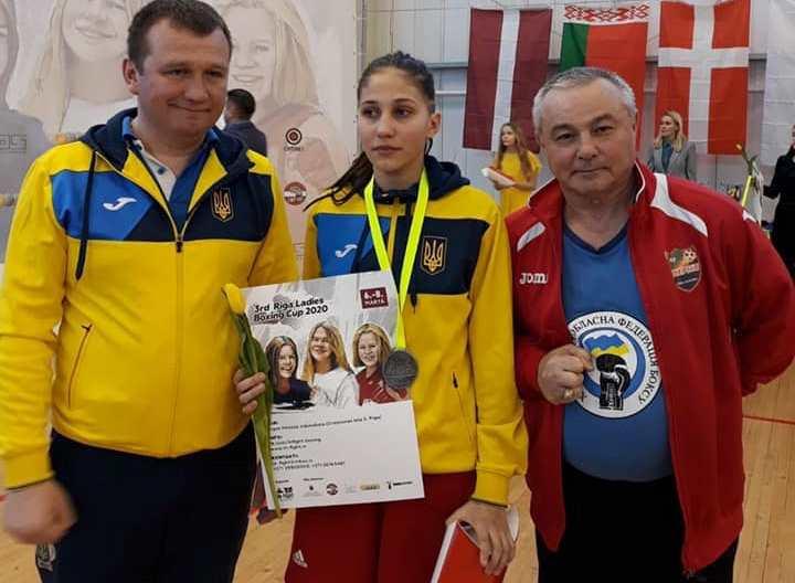 Херсонские боксерки завоевали серебро и бронзу на международном турнире